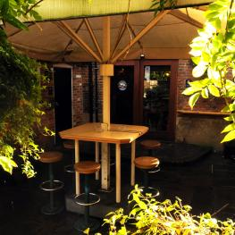Royal Oak Dartford Beer Garden 4